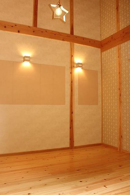 寝室柄物洋風壁紙