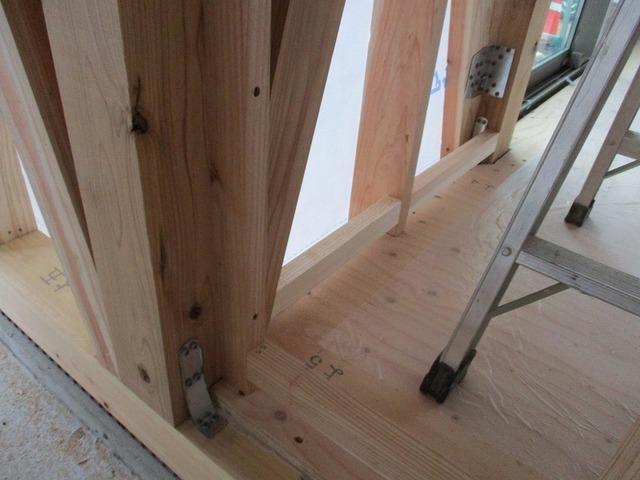 木の家建築中