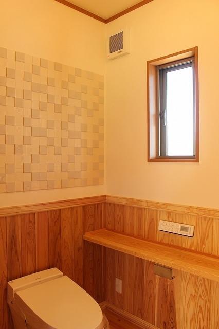 エコカラットがおしゃれなトイレ