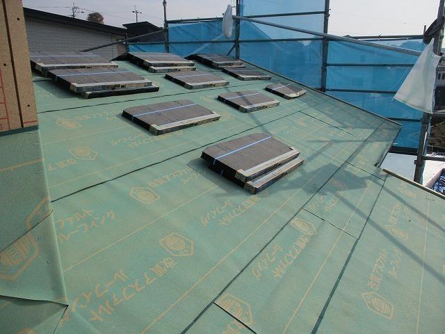 屋根工事施工状況