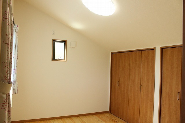 2F屋根裏部屋