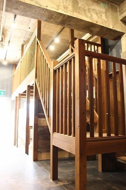2階席へ行く階段